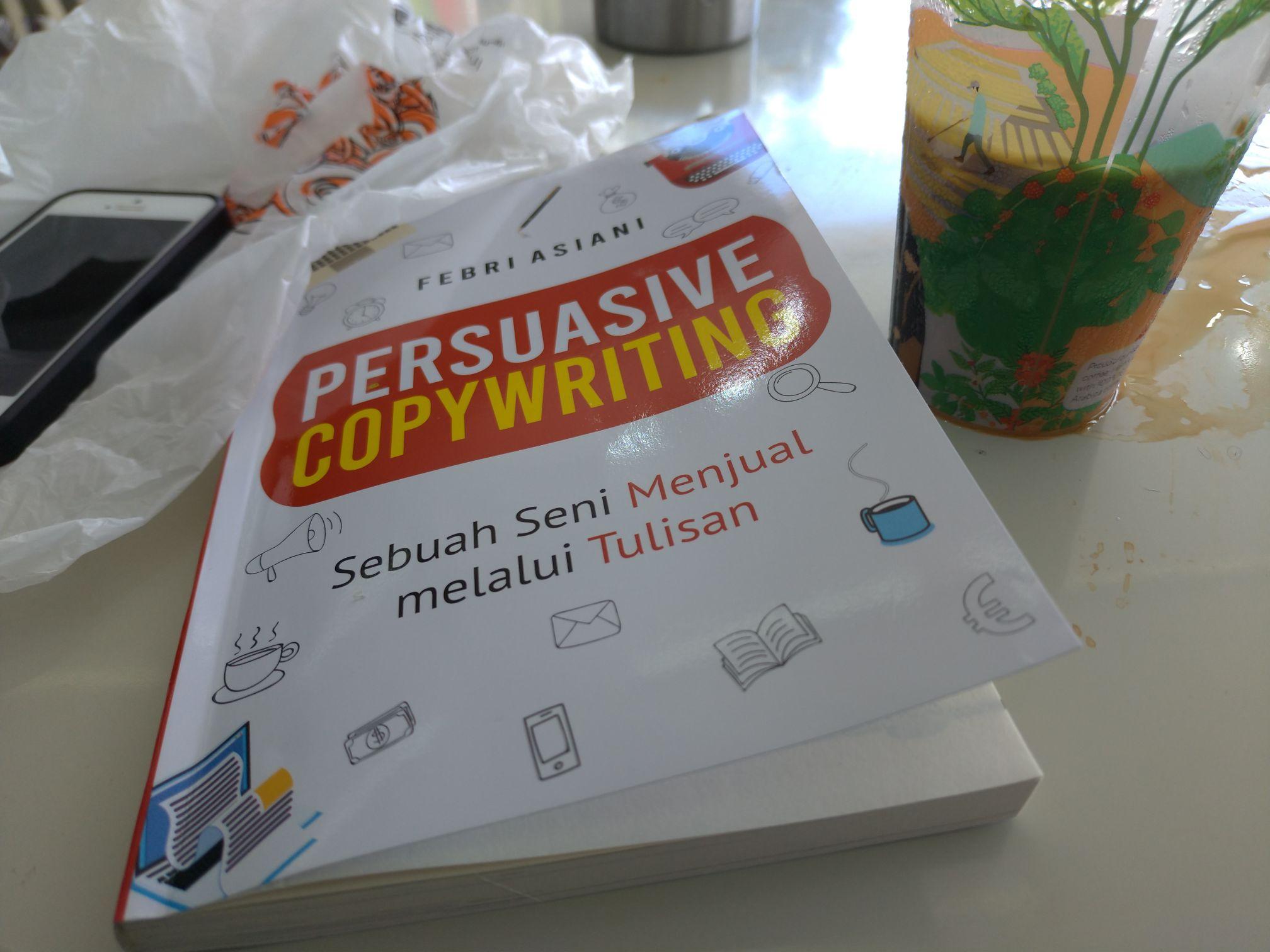 Buku dan kopi